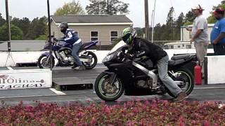 9. Kawasaki zzr600 vs Yamaha Fz1 drag race