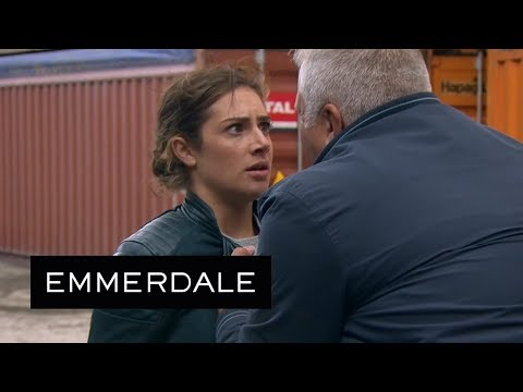 Emmerdale - Victoria's Sinister Private Detective Lures Her Into A Trap