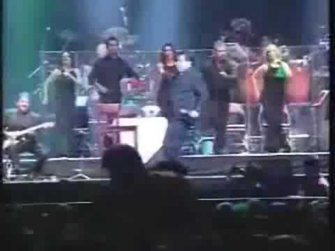 El día que Juan Gabriel cayó del escenario