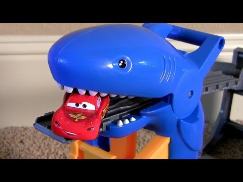 ! Shark Attack Lightning McQueen Disney Pixar Cars Thomas Railway Playset Sharknado Eats Cars