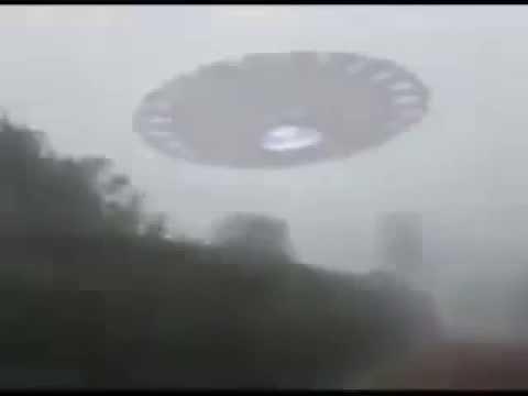 非洲網友聲稱親眼目擊UFO時沒有一個人相信,當他拿出影片證據時...連外星人研究組織都震驚了!