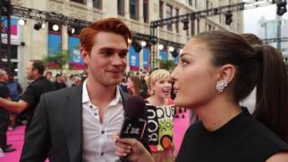 Join FORA On The MMVA carpet discussing all things red with our expert ginger KJ Apa!