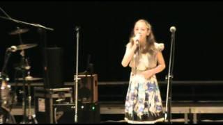 Oliwia Tymek - W ciszy szukam słów