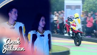 Video Kerennya Boy & Reva Aksi Freestyle Motor [Anak Jalanan] [1 April 2016] MP3, 3GP, MP4, WEBM, AVI, FLV Januari 2019