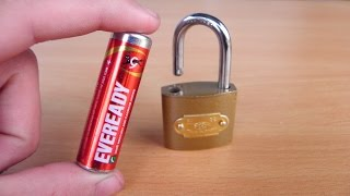 Video 2 Ways to Open a Lock  | Life Hacks MP3, 3GP, MP4, WEBM, AVI, FLV November 2017
