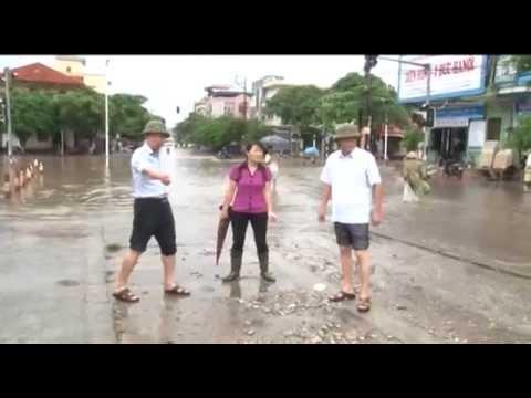 Đồng chí Bí thư Thành ủy Nguyễn Xuân Ký kiểm tra, chỉ đạo khắc phục ngập úng