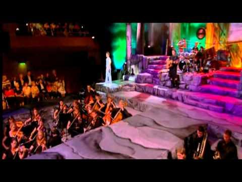 Tekst piosenki Celtic Thunder - Come By The Hill po polsku