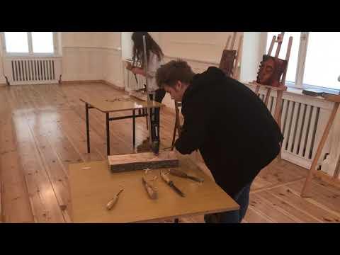 Wideo1: Warsztaty rzeźbienia w drewnie w Muzeum Regionalnym w Kościania