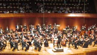 Video sin fines de lucro, para invitarlos a disfrutar la experiencia de asistir a una sala de conciertos. Sinfonía no. 7 IV. Finale - Bewegt, doch nicht zu s...