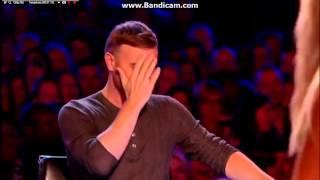 Półnaga blondi próbuje oczarować jury swoim żenującym występem w X-Factor!