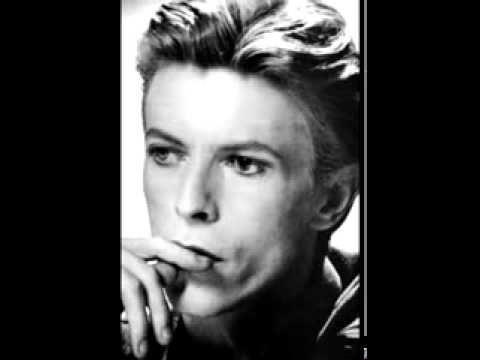 Tekst piosenki David Bowie - Remembering Marie A. po polsku