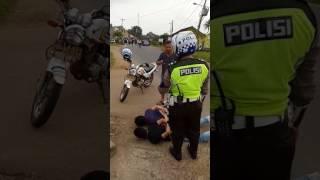 Video Penangkapan Penembak Bus Damri di LAMPUNG TIMUR part 1 MP3, 3GP, MP4, WEBM, AVI, FLV Agustus 2018