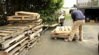 Làm nội thất bằng pallet gỗ