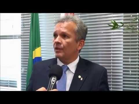 André Figueiredo comenta mudança no critério de pagamento de precatórios