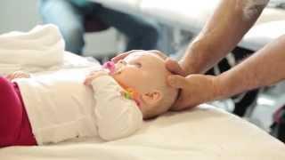 Video Osteopathie für Babies - Baby Osteopathie MP3, 3GP, MP4, WEBM, AVI, FLV Juli 2018