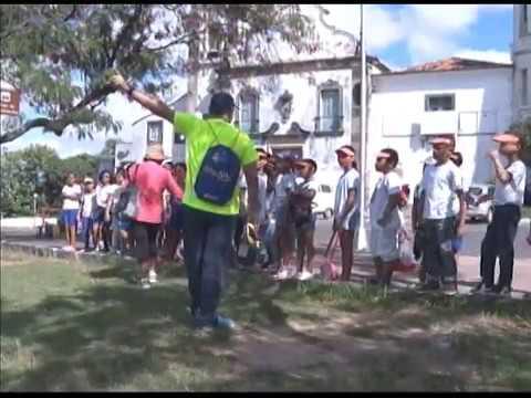 Alunos de Olinda caminham pelo Sítio Histórico e aprendem sobre a cidade