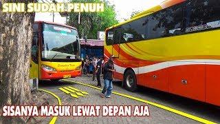 Video Aktifitas keluar masuk bus pariwisata di area parkir Senopati Yogyakarta MP3, 3GP, MP4, WEBM, AVI, FLV Agustus 2018