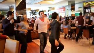 Mamma Mia! - Flash Mob no Shopping Vila Olímpia