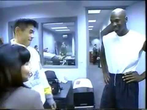 0 Ichiro Wears OG Carmine VI While Meeting Michael Jordan in 1995