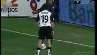 Ronaldinho Vs Davids