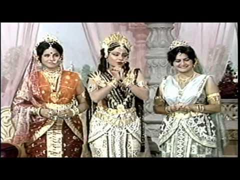 Video Thumak Chalat Ram Chandra download in MP3, 3GP, MP4, WEBM, AVI, FLV January 2017