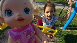Video Parkta emekleyen bebek alive  ile oyunlar, eğlenceli çocuk videosu MP3, 3GP, MP4, WEBM, AVI, FLV November 2017
