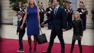 Video Pourquoi les Macron ont tardé à déménager à l'Elysée MP3, 3GP, MP4, WEBM, AVI, FLV Mei 2017