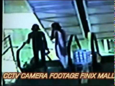 Video 28.4.2011 LUCKNOW KE phinix mall me ladki koodi cctv me footage kaid download in MP3, 3GP, MP4, WEBM, AVI, FLV January 2017