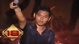 Download Lagu Funky Kopral - Bagian Yang Hilang (Live Konser Palu 8 Juli 2006) Mp3