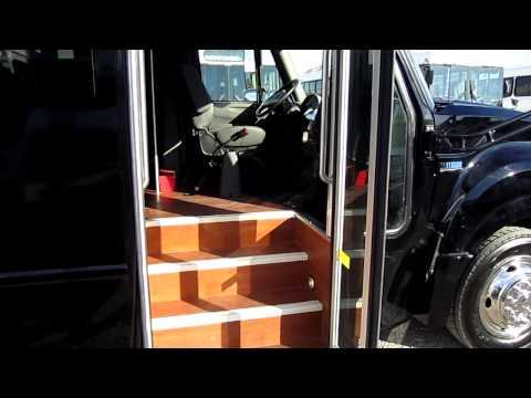 LV Bus Sales Brand new corporate shuttle 28 passenger bus Starcraft Bus Sales S33306