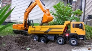 Video RC ADVENTURES - 1/12 Scale Earth Digger 4200XL Excavator & 1/14 8x8 Armageddon Dump Truck MP3, 3GP, MP4, WEBM, AVI, FLV Juni 2018