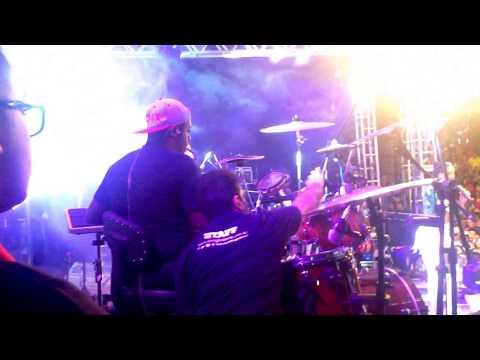 Banda Vingadora em ibiassucê 2004 (Paulinhotera groove de arrocha)