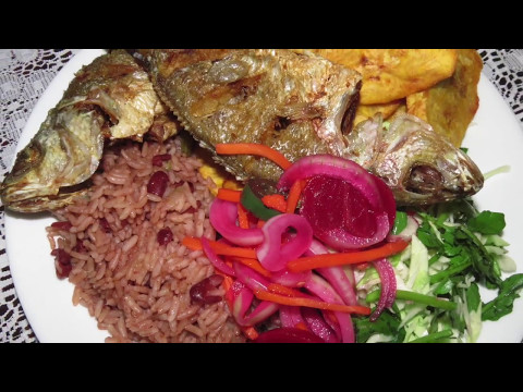 PESCADO FRITO Y RICE AND BEANS/HONDURENO