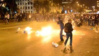 Video Violences après la manifestation du 22-M (Marcha de la dignidad) à Madrid MP3, 3GP, MP4, WEBM, AVI, FLV Februari 2019