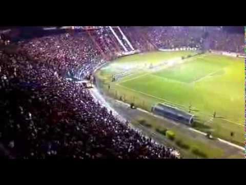 RECIBIMIENTO DE LA HINCHADA DE CERRO PORTEÑO VS. UNIVERSIDAD CATÓLICA - COPA SUDAMERICANA 2013 - La Plaza y Comando - Cerro Porteño