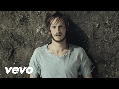 rest - Follow Dry the River: Facebook - http://www.facebook.com/drytheriver Website: http://www.drytheriver.net Music video by Dry The River performing No Rest. (C)...