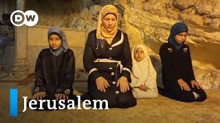 Video Jerusalem: Three religions, three families | Faith Matters MP3, 3GP, MP4, WEBM, AVI, FLV September 2018