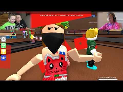 ПЕРВЫЙ летсплей от Николь ROBLOX играем с Каналом Жестянка EpicMiniGames роблокс как майнкрафт