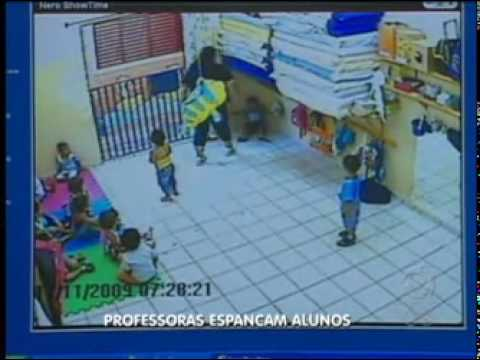 Video Câmera flagra professora de creche agredindo crianças em São José do Rio Preto download in MP3, 3GP, MP4, WEBM, AVI, FLV January 2017