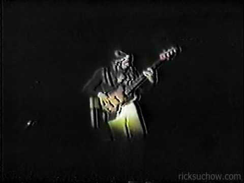 ricksuchow - Part 1 of Jaco's solo w/ Weather Report, Reading PA October 1978. Great display of virtuosity and some new tricks with harmonics. Part 2 also available on th...