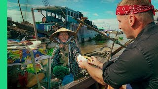 Video Magical  FLOATING MARKET TOUR in Cai Rang, Vietnam! (Bun Thit Nuong and Water Banh Mi??) Day 4 MP3, 3GP, MP4, WEBM, AVI, FLV Agustus 2019