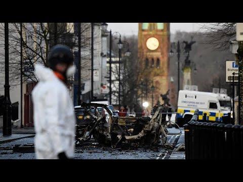 Β. Ιρλανδία: Δύο συλλήψεις για την έκρηξη αυτοκινήτου