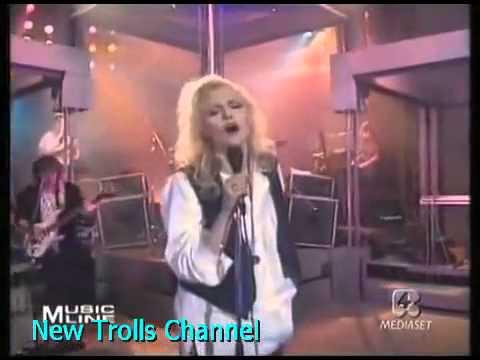 , title : 'Oxa e New Trolls   Tutti i brividi del mondo 1989'