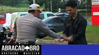 Video SELLING DRUGS TO COP MAGIC PRANK - abracadaBRO Dangerous & Best Street Magic Tricks Indonesia MP3, 3GP, MP4, WEBM, AVI, FLV Oktober 2018