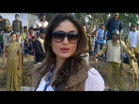 Kareena shoots with the locals in Bhopal!