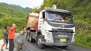 Video Gunungkidul Extreme Road Trucking By Calvary VOLVO FM FMX 480 MP3, 3GP, MP4, WEBM, AVI, FLV Mei 2018