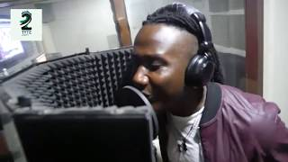 Download Lagu KIZZY W IN NIGERIA @ MUSKETEERS AUDIO-VISUAL STUDIO Mp3