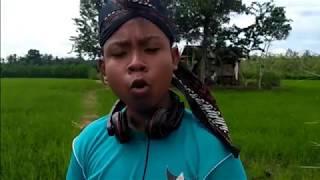 Video Video Klip Despacito Cover Jawa MP3, 3GP, MP4, WEBM, AVI, FLV Desember 2017