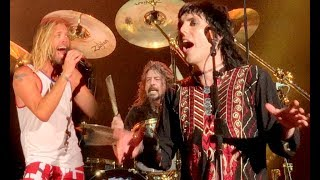 Foo Fighters - Under Pressure (Queen) Taylor Hawkins, Luke Spiller - 04-26-2018 West Palm Beach FLA