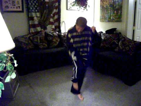 Video Desmond doing Michael Jackson